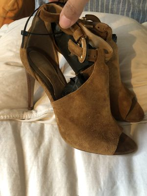 Burberry shoes size 6 1/2 for Sale in Bronx, NY