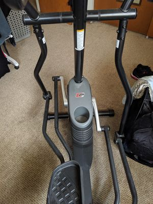 Pro form 45 elliptical machine like new.. IPod and auxillary cable compatible.. Water bottle holder like new barely used for Sale in Melrose Park, IL