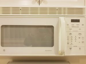 All Kitchen appliances plus washer dryer for Sale in Issaquah, WA