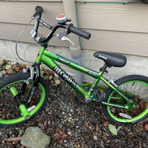 "Free Boys Bike 18"" for Sale in Maple Valley, WA"