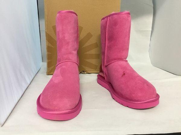 Ugg classic metallic pink size 7