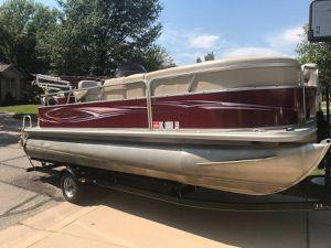 2012 Sylvan Mirage 820 Pontoon Boat for Sale in Wichita, KS