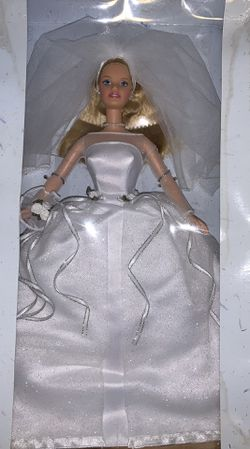 1999 Mattel Vintage Blushing Bride Barbie Doll for Sale in West Greenwich,  RI