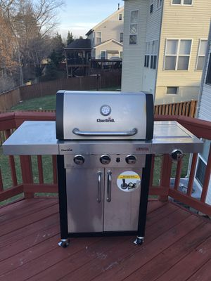 Like New Gas Grill for Sale in Sterling, VA