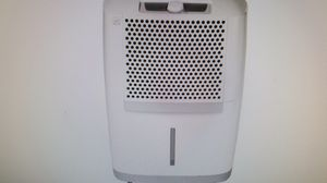 Frigidaire 30 Pint Energy Star Dehumidifier FAD301NWD for Sale in Hollywood, FL