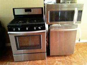 GAS STOVE MICROWAVE DISHWASHER ALL WHIRLPOOL BRAND for Sale in Phoenix, AZ