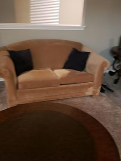 Beige two piece couch set for Sale in Round Rock,  TX