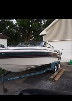 1993 Four Winns 210 Open Bow for Sale in Hampshire,  IL