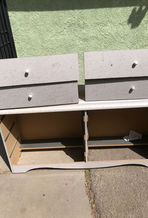 White dresser has 6. Drawers for Sale in Hesperia, CA