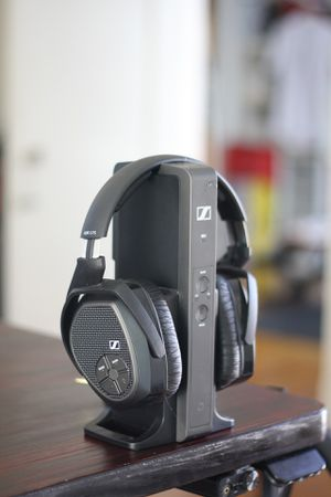 Sennheiser HDR 175 RF wireless headphones for Sale in Los Angeles, CA