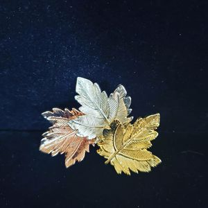 A beautiful Brooch with leafs 🍃 for Sale in Pomona, CA