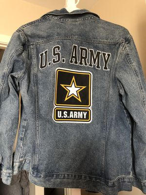 Pink army Jacket for Sale in Clarksville, TN