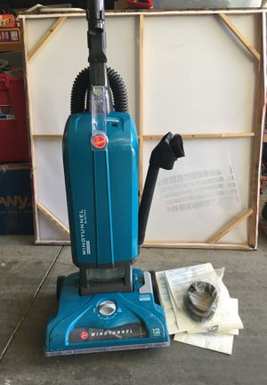 Hoover Windtunnel Upright Vacuum for Sale in Rancho Santa Margarita, CA