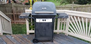 Charbroil grill and propane tank for Sale in Manassas, VA