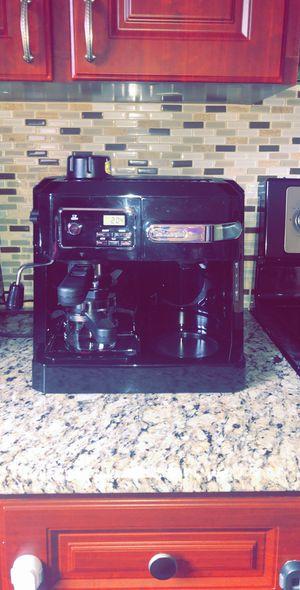 Espresso and Drip Coffee Maker DeLonghi for Sale in Dearborn, MI
