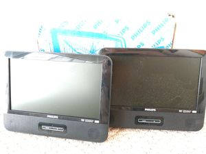 "PHILIPS 9"" Dual DVD PLAYER 9019. Kit include two independent DVD players. Brand New. for Sale in Fort Lauderdale, FL"