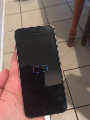 iPhone 5 s (for parts) for Sale in Winter Haven, FL