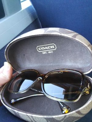 Coach sunglasses (Women's) for Sale in Seattle, WA