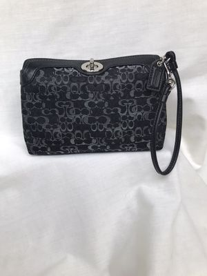 Coach wristlet purse for Sale in Bolingbrook, IL