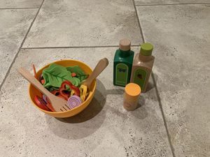Toy salad mix from land of kind kids for Sale in Lombard, IL