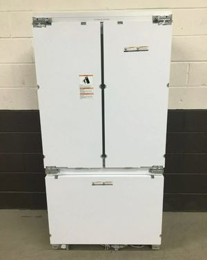 FISHER & PAYKEL CUSTOM PANEL REFRIGERATOR for Sale in Hermosa Beach, CA