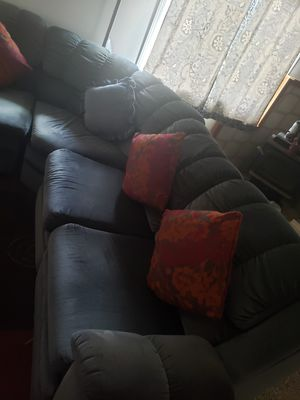 3 piece sectional couch for Sale in Monroe, WA