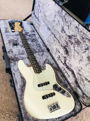 Fender Jazz Bass Professional White 2017 for Sale in Los Angeles, CA