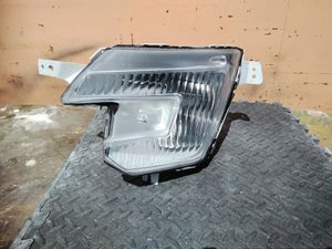 Ford Explorer headlight for Sale in Los Angeles, CA