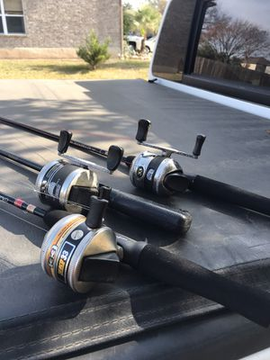 Legendary zebco 33 fishing reels and rods for Sale in San Antonio, TX