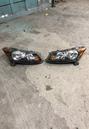 Honda acorrd 2007-2012 OEM headlight for Sale in Chevy Chase, MD