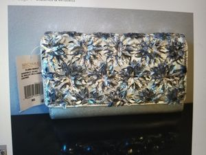 Michael Michael Kors Flora Burst Extra Large Wallet/Crossbody/Clutch on Removable Chain for Sale in Seattle, WA
