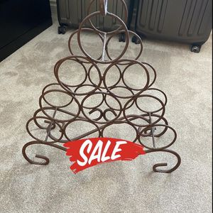 💥💥 Vintage wine 🍷 🍷 rack💥💥. Great addition to any home bar 💥💥 for Sale in Las Vegas, NV
