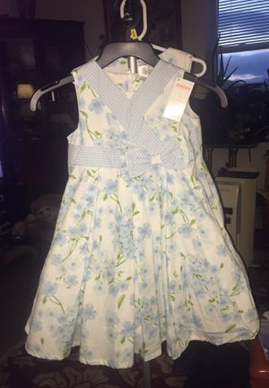 GymboreeWhite blue flowered pleated for Sale in Germantown, MD