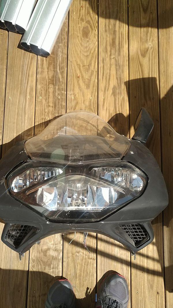 Aprilla Falco Windshield / Headlight Assembly