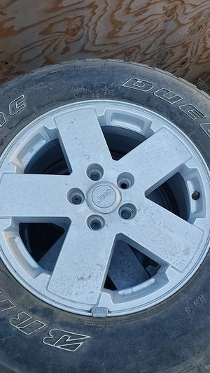 Jeep wheels and tires for Sale in Turlock, CA