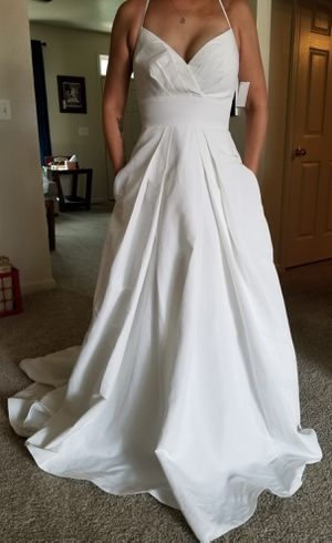 New with tags David's bridal wedding gown dress size 4 for Sale in Fort Belvoir, VA