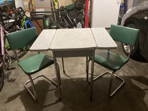 Retro table and chairs for Sale in Monroe, WA