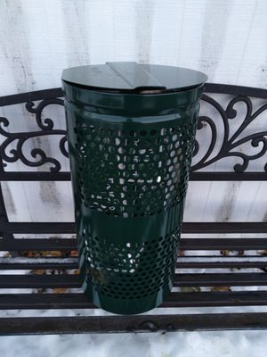 Dogipot 10 gallon aluminum waste receptacle with lid for Sale in Binghamton, NY