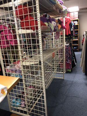 Metal Garment Rack for Sale in Hurst, TX