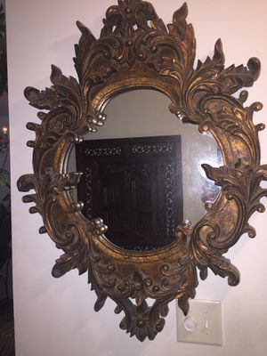 """Antique style mirror 31"""" w x 39"""" H for Sale in Hollywood, FL"""