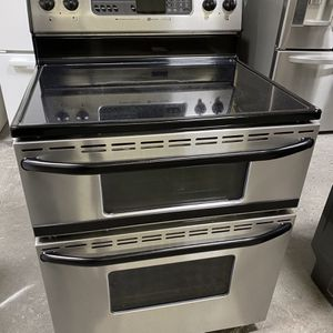 Double Oven Maytag Range*Finance Available for Sale in East Hartford, CT