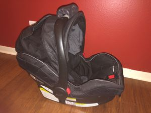 GRACO snugride 40 baby car seat with stroller and 2 bases for Sale in Spring, TX