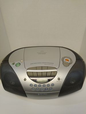 Sony -Boombox CFD-S300, Cd, cassette, am/fm radio for Sale in Chandler, AZ