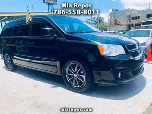 2017 Dodge Grand Caravan for Sale in Hialeah, FL
