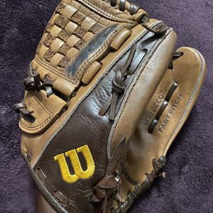 Wilson A800 Fast Pitch Softball Glove for Sale in Hacienda Heights, CA