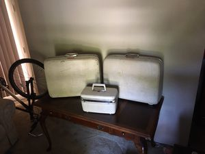 3 Matching Samsonite Suitcases for Sale in Aloha, OR