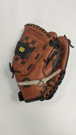 "Wilson Youth Baseball Glove, Mitt, Kerry Wood 11 1/2"" A2457 Crown Web for Sale in Oceanside, CA"