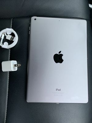 iPad 2nd Generation wifi Excellent Condition for Sale in Springfield, VA