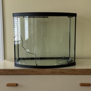 36 Gallon Bow-front Fish Tank for Sale in Montgomery, NJ