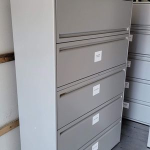 5 Drawers File Cabinet In Good Conditions for Sale in San Diego, CA